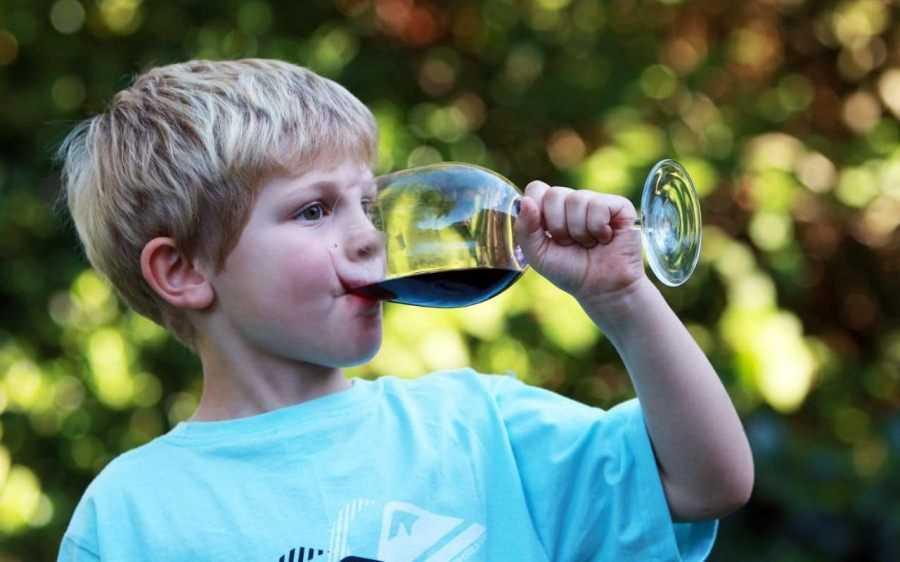 Причины детского алкоголизма бесплатное лечение алкоголизма лодейное поле